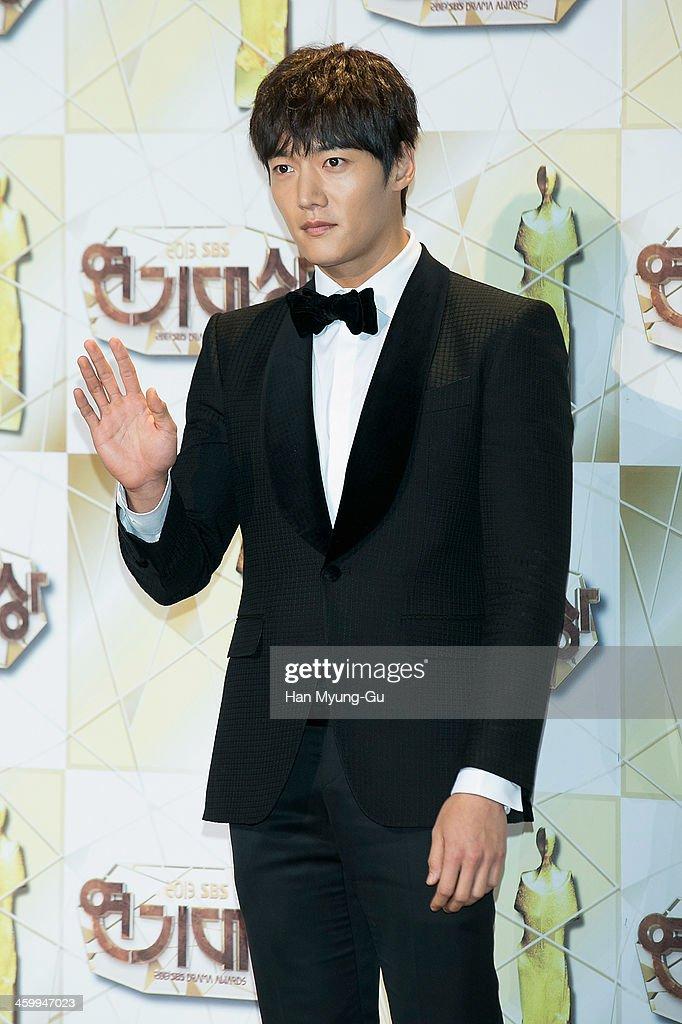 South Korean actor Choi Jin-Hyuk attends the 2013 SBS Drama