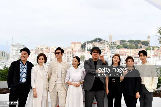 South Korean actor Kangho Song South korean actress Chang Hyaejin South Korean actor Lee Sunkyun South Korean actress Cho Yeojeong South Korean...