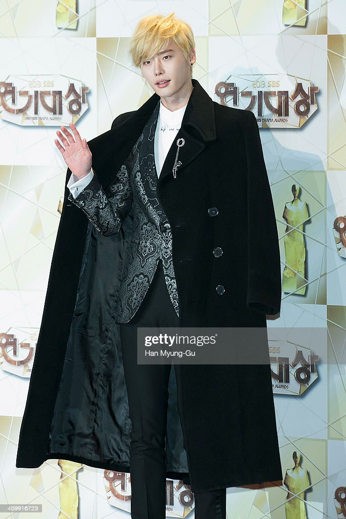 South Korean actor Lee Jong-Suk attends the 2013 SBS Drama Awards at SBS Prism Tower on December 31, 2013 in Seoul, South Korea.