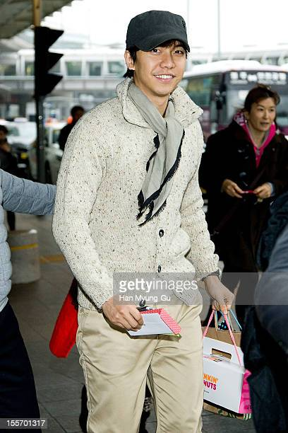 South Korean actor Lee SeungGi is seen at Incheon International Airport on November 6 2012 in Incheon South Korea