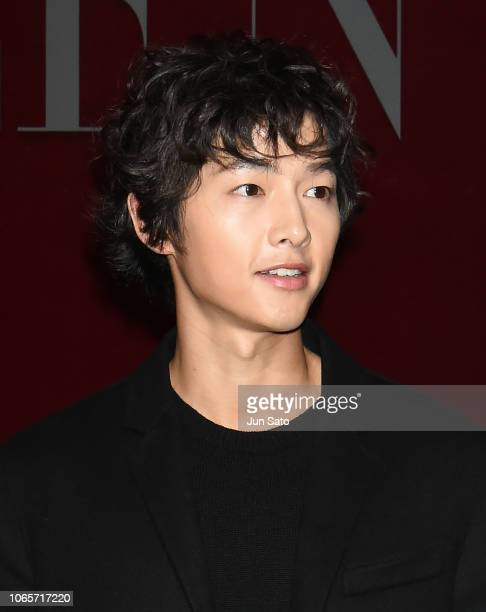 South Korean actor Song Joong-Ki attends the photocall for Valentino TKY 2019 Pre-Fall Collection at Terada Warehouse on November 27, 2018 in Tokyo,...