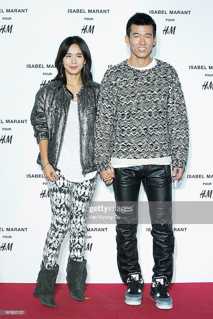South Korean actress Jung Hae-Young (Jung Hye-Young) and singer Jinu attend Isabel Marant Pour H&M pre-shopping and party at Noon Square H&M Store on November 12, 2013 in Seoul, South Korea.