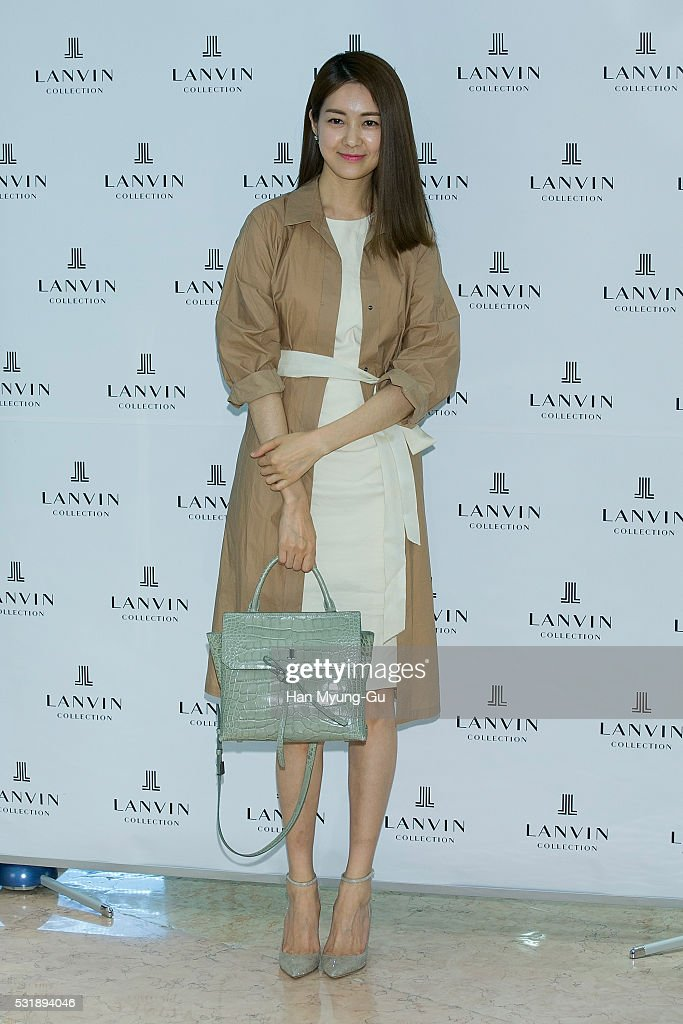"Lee Yo-Won Appears At ""LANVIN Accessory"" Lotte Department"