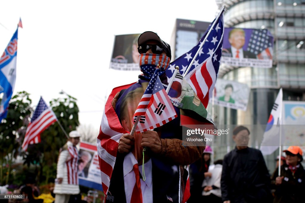 A South Korean conservative takes part in a pro-Trump rally at the city center of Seoul, November 7, 2017 in South Korea. Trump is in South Korea as a part of his Asian tour.