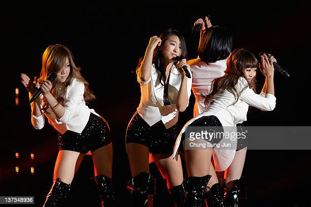 South Korean girl group SISTAR perform on stage during the 21st High1 Seoul Music Awards at Olympic gymnasium on January 19, 2012 in Seoul, South...