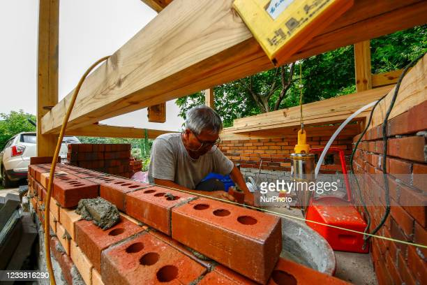 South Korean man self built his aseperate house use only wood and brick. The price of Vietnamese construction steel dropped to below $955 per ton,...