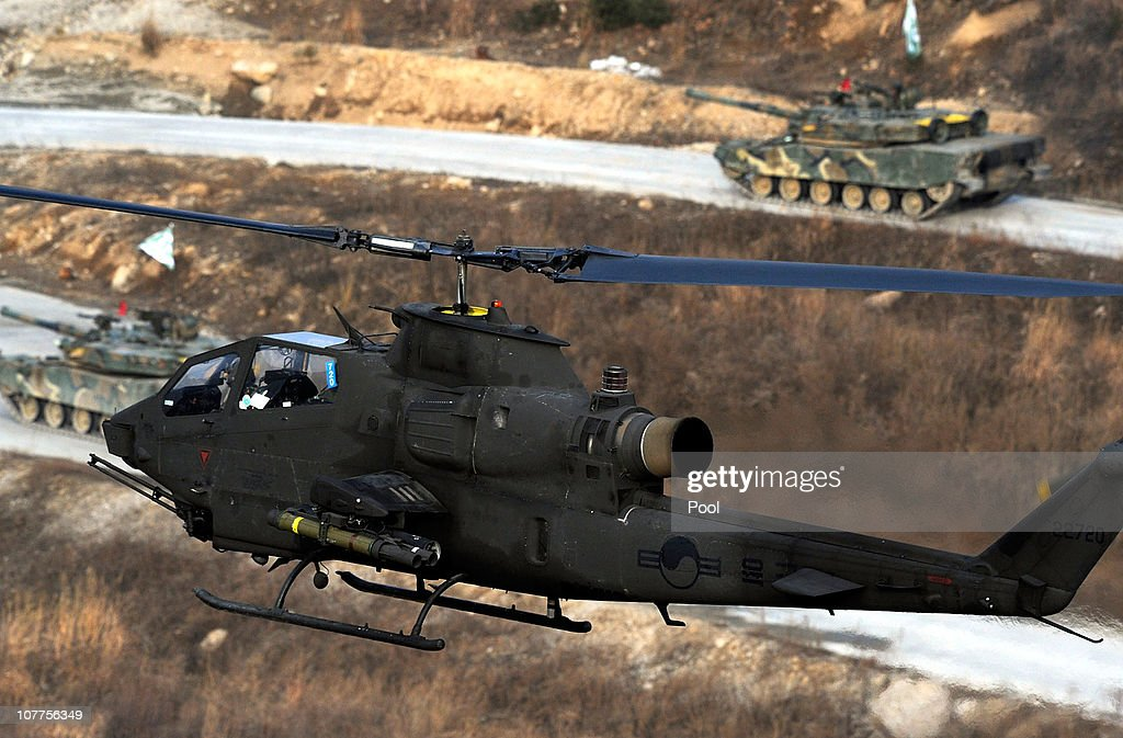 South Korea Holds Joint Air And Ground Military Exercise : News Photo