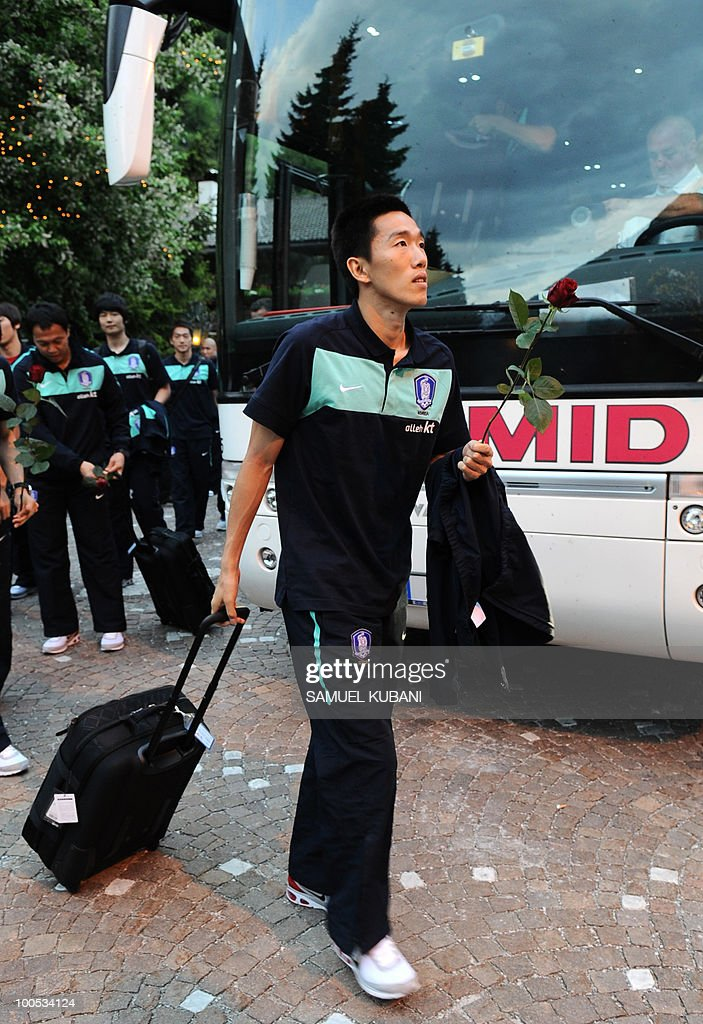 South Korean national football team player Kim Jung Woo gets out of a bus during his team arrival for their training camp in Tyrolian village of Neustift im Stubaital in Austria on May 25, 2010, prior to the FIFA World cup 2010 in South Africa.