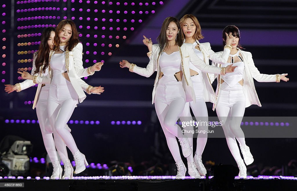 South Korean pop group Dal Shabet perform on stage during the 20th Dream Concert on June 7, 2014 in Seoul, South Korea.