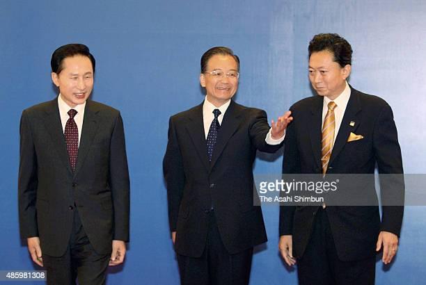 South Korean President Lee MyungBak Chinese Premier Wen Jiabao and Japanese Prime Minister Yukio Hatoyama are seen ahead of the ChinaSouth KoreaJapan...