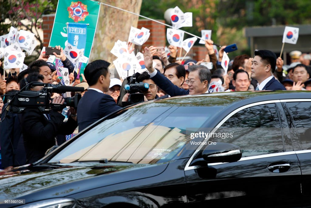 South Korean President Moon Jae-in waves his hand to the members of South Korean Veterans' association and his supporters on the way to Panmunjom for Inter-Korean Summit on April 27, 2018 in Seoul, South Korea. North Korean leader Kim Jong Un and South Korean President Moon Jae-in meets at the border today for the third-ever inter-Korean summit talks since the 1945 division of the peninsula.