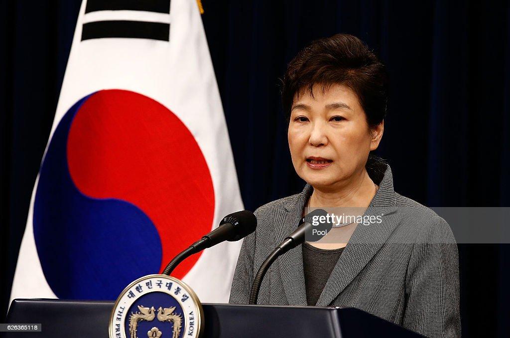 South Korean President Park Geun-hye Addresses Nation On Scandal : News Photo
