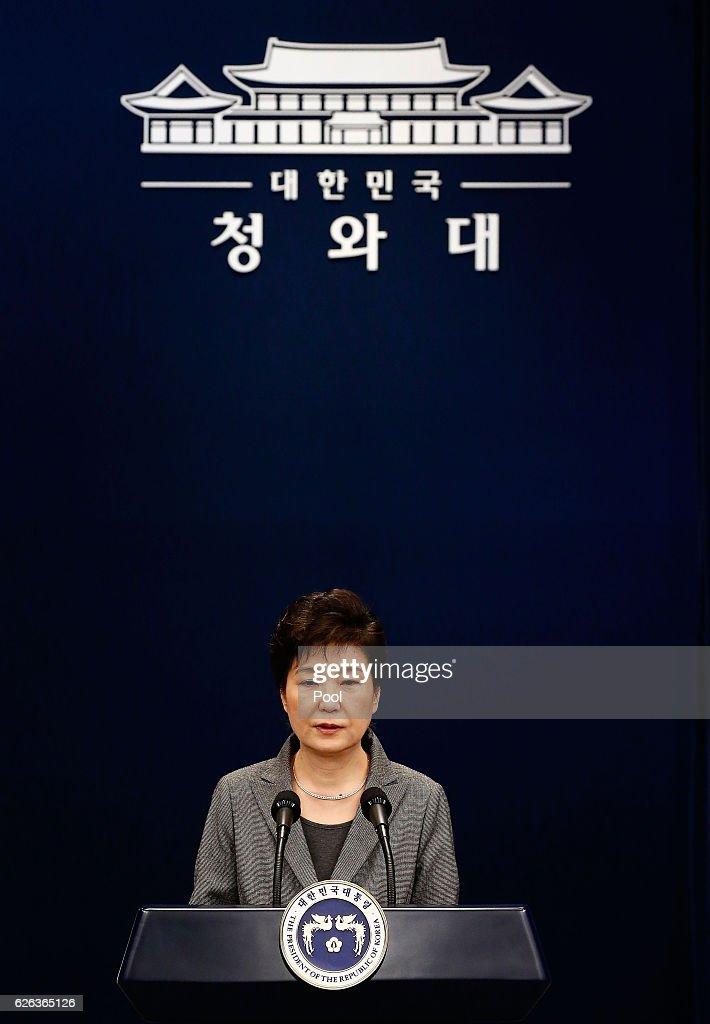 South Korean President Park Geun-hye Addresses Nation On Scandal