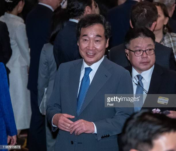South Korean Prime Minister Lee Nak-Yeon arrives at the cocktail party before the banquet hosted by the Prime Minister of Japan Shinzo Abe and his...