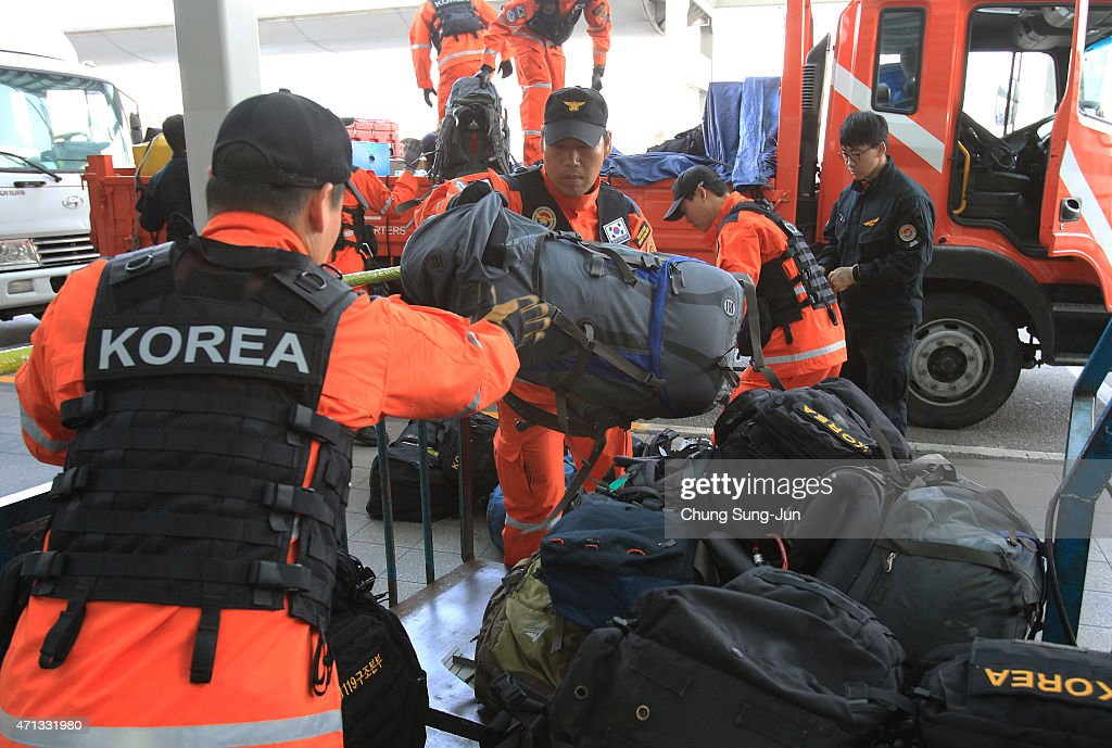 South Korean Rescue Team And Aid Workers Depart For Kathmandu Quake Site : News Photo