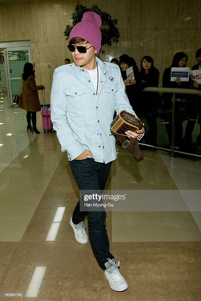 South Korean singer Se7en is seen upon arrival at Gimpo International Airport on February 18, 2013 in Seoul, South Korea.