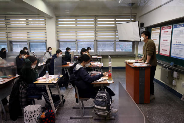 KOR: South Korea Holds College Entrance Test Amid Covid-19 Outbreak