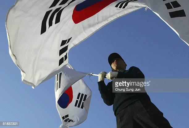 South Koreans Hold Anti-North Koea Rally Amid Nuclear Warnings