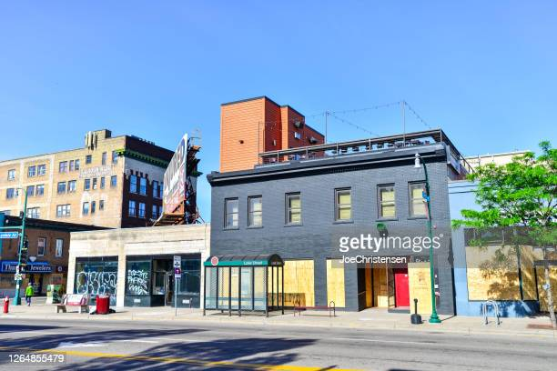 south minneapolis city streets - boarded buildings - looting stock pictures, royalty-free photos & images