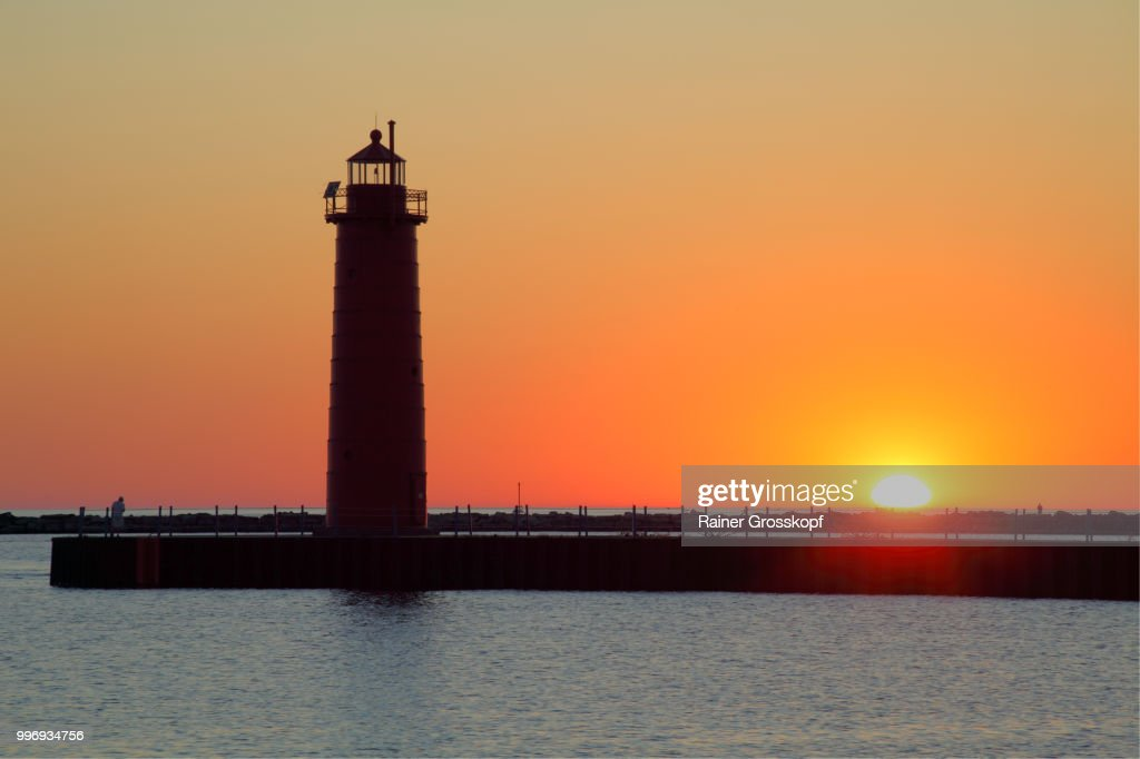 South Pierhead Lighthouse (1903) at sunset : Stock-Foto