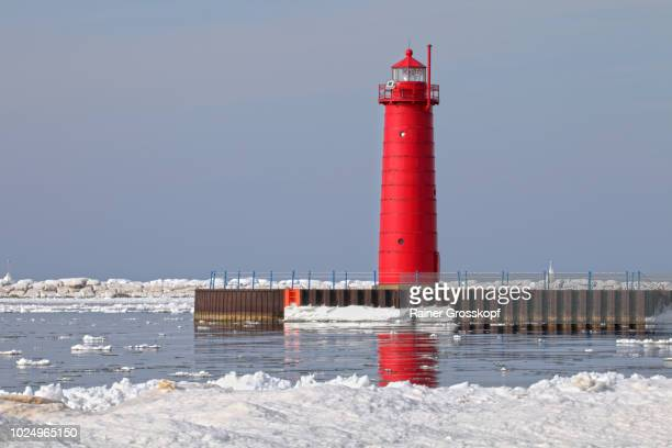 South Pierhead Lighthouse (1903) on Lake Michigan in winter