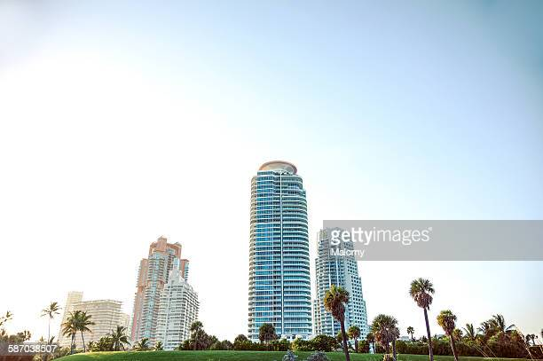south pointe park and towers, miami beach - miami beach south pointe park stock pictures, royalty-free photos & images