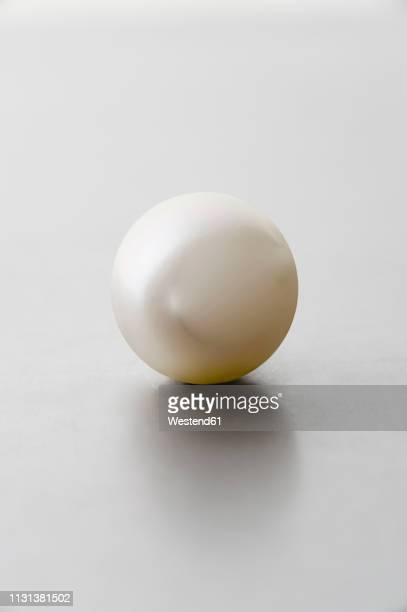 south sea pearl - stone object stock pictures, royalty-free photos & images