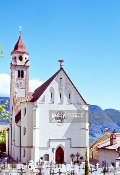South Tyrol; Alto Adige; landscape; Burgraviato; Merano; Tirolo, church, chiesa San Giovanni, St. John