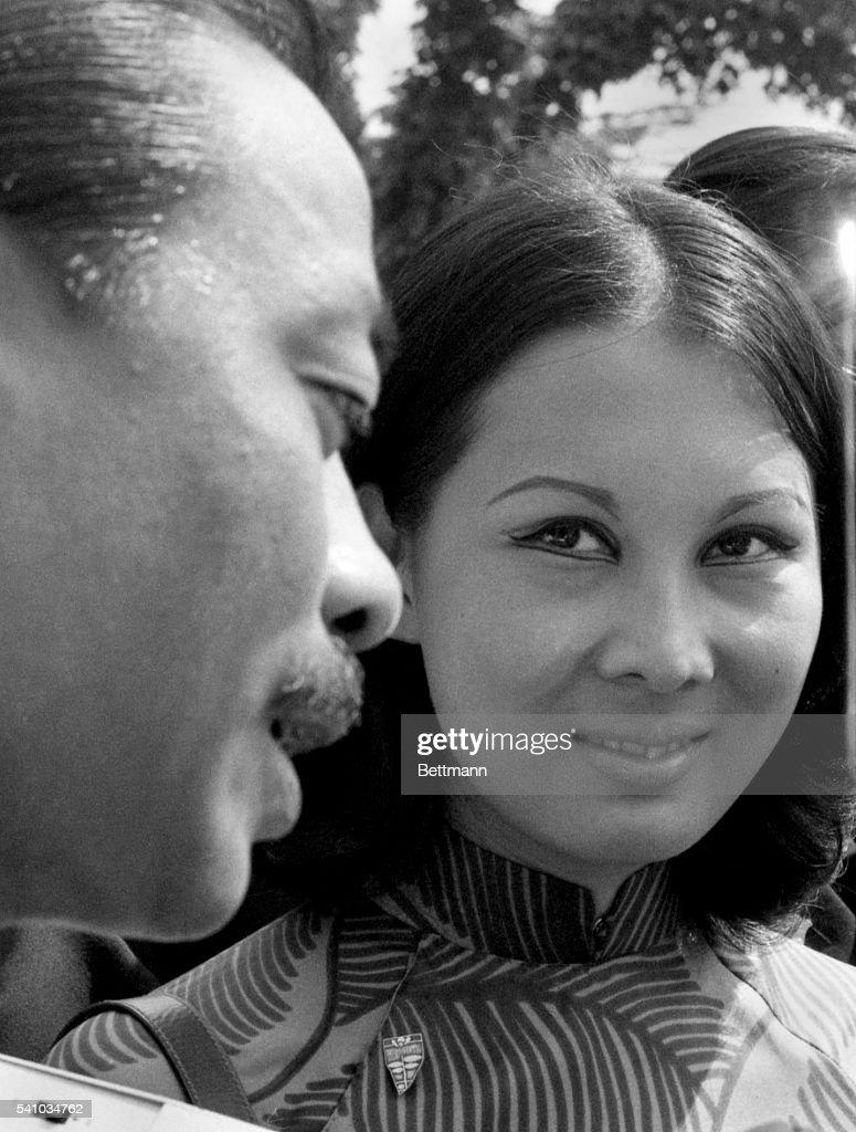 Nguyen Cao Ky and Wife Mai : News Photo