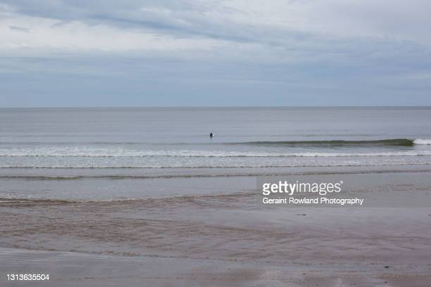 south wales waves - geraint rowland stock pictures, royalty-free photos & images