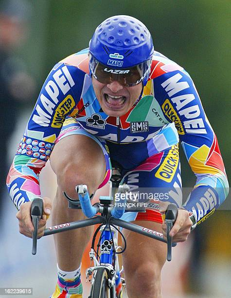 SouthAfrican Robert Hunter of the Italian Mapei Quick Step team rides during the prologue of the 89th Tour de France an individual timetrial around...