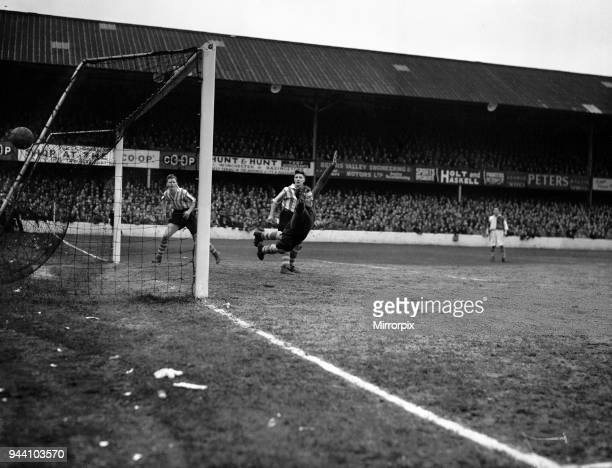 Southampton 21 Blackburn Rovers League match at The Dell Saturday 1st March 1952