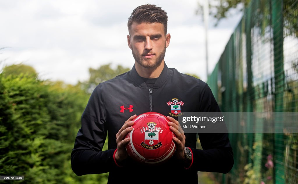 Wesley Hoedt Feature : News Photo