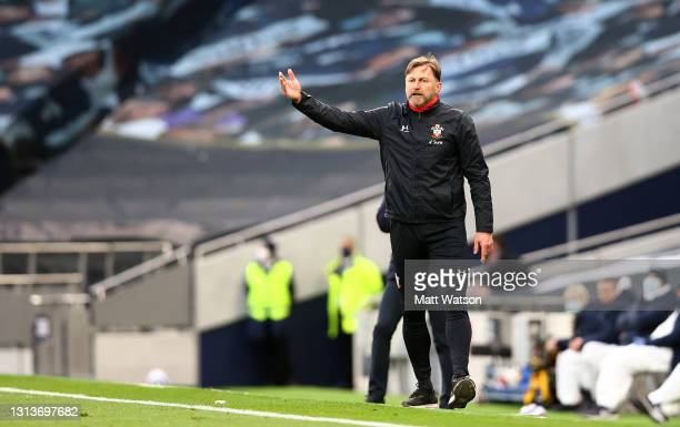 Southampton manager Ralph Hasenhüttl gestures during the Premier League match between Tottenham Hotspur and Southampton at Tottenham Hotspur Stadium...