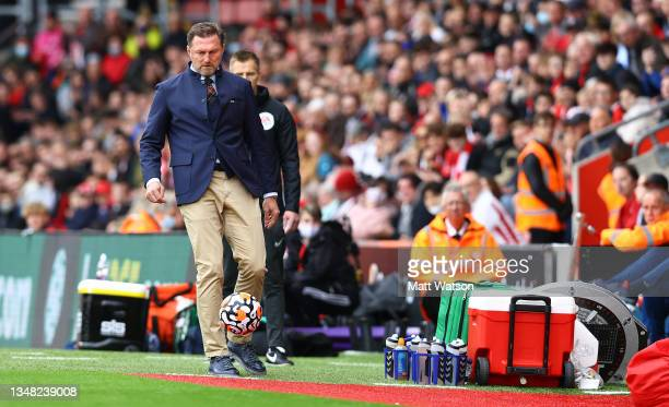 Southampton manager Ralph Hasenhüttl kicks the ball during the Premier League match between Southampton and Burnley at St Mary's Stadium on October...