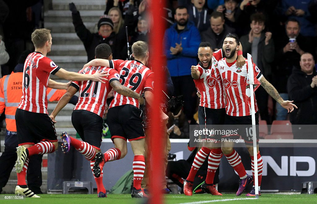Southampton v Everton - Premier League - St Mary's Stadium : News Photo