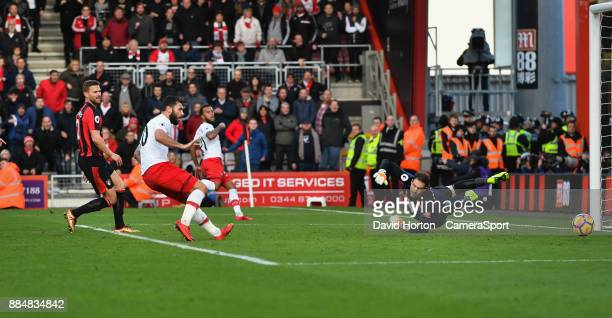 Southampton's Charlie Austin just misses scoring his sides 2nd goal during the Premier League match between AFC Bournemouth and Southampton at...