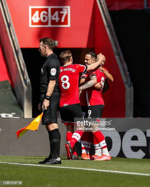 Southampton's Danny Ings celebrates scoring his side's second goal in the 42nd minute to make it 2-2 with James Ward-Prowse and Nathan Redmond during...