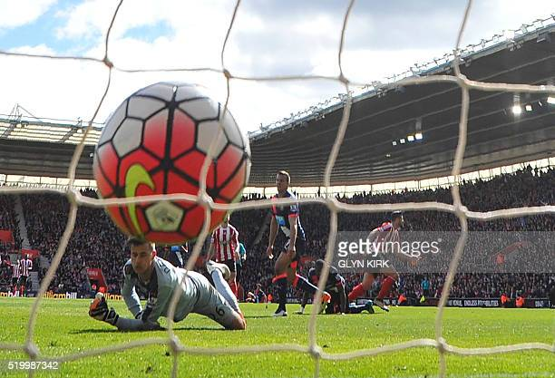 Southampton's Italian striker Graziano Pelle scores past Newcastle United's English goalkeeper Karl Darlow during the English Premier League football...