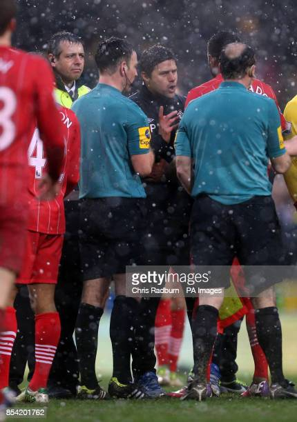 Southampton's Manager Mauricio Pochettino approaches match officials and referee Mike Clattenburg after the final whistle during the Barclays Premier...
