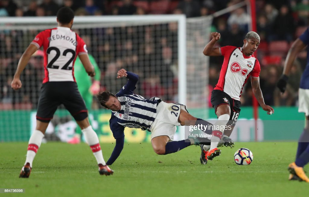 Southampton's Mario Lemina (right) wins the ball from Grezgorz Krychowiak during the Premier League match between Southampton and West Bromwich Albion at St Mary's Stadium on October 21, 2017 in Southampton, England.