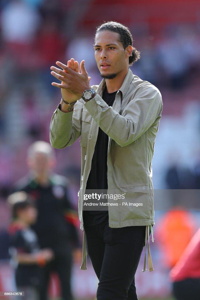 Southampton v Stoke City - Premier League - St Mary's Stadium : News Photo