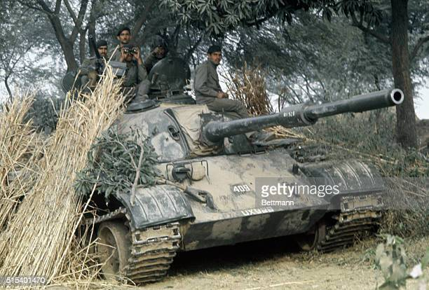 Southern Kashmir India Camouflaged Indian tank in position along the ChambJerian Road which runs along the IndiaPakistan border From New Delhi it was...