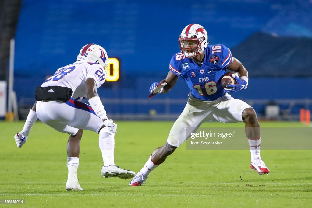 Southern Methodist Mustangs wide receiver Courtland Sutton (16) makes a reception during the DXL Frisco Bowl game between the Louisiana Tech Bulldogs and SMU Mustangs on December 20, 2017 at Toyota Stadium in Frisco, TX.