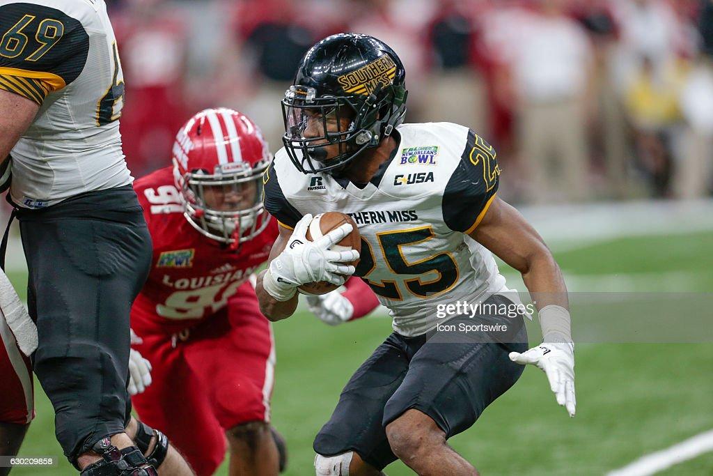 NCAA FOOTBALL: DEC 17 New Orleans Bowl - Southern Miss v Louisiana-Lafayette : News Photo