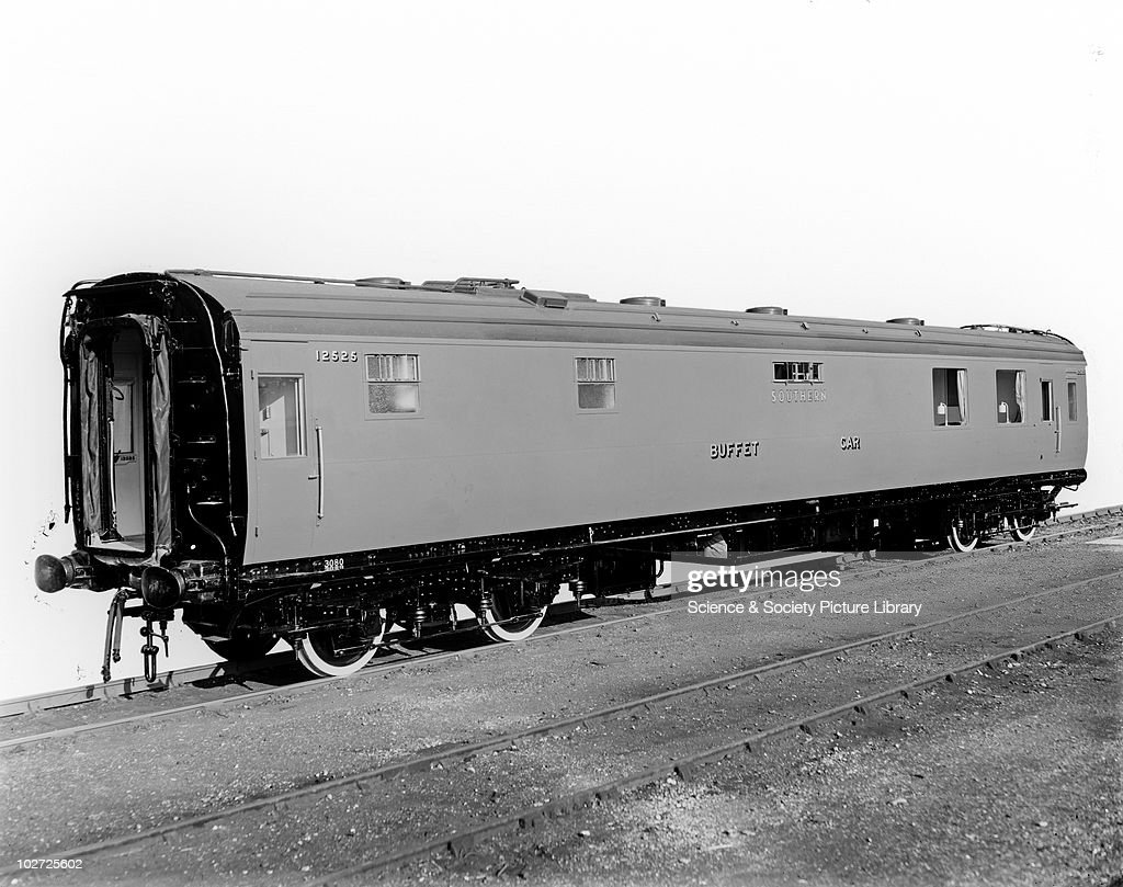 Southern Railway electric multiple unit 4BUF carriage set