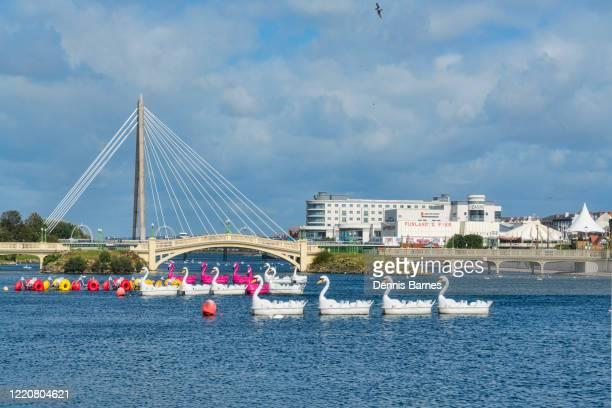 southport, promenade gardens, marine lake, bridge, pier, lancashire, sefton, england, uk - イングランド サウスポート ストックフォトと画像