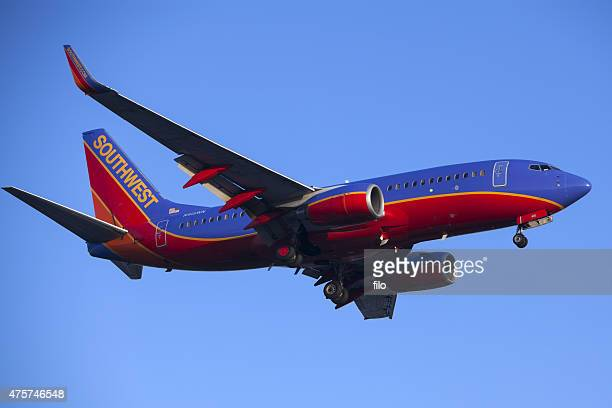 southwest airlines 737 commercial jet airplane - southwest usa stock pictures, royalty-free photos & images