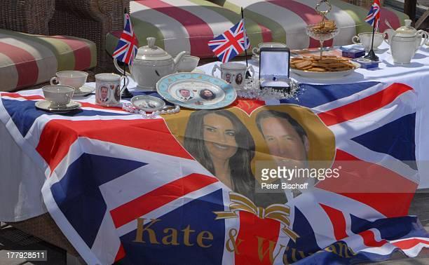 """Souvenirs bei """"Royal Talk"""" über die Hochzeit von Prinz William von England und Verlobter Kate Middleton am ), ZDF-Show """"Die Frühlingsshow"""" ,..."""