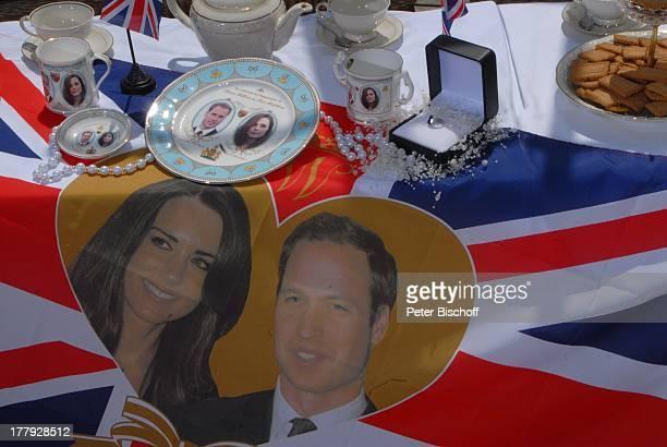 Souvenirs bei Royal Talk über die Hochzeit von Prinz William von England und Verlobter Kate Middleton am ZDFShow Die Frühlingsshow Yachthafen Marina...